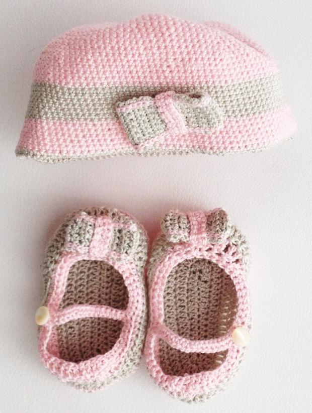Berrettino e scarpette mary jane per neonato